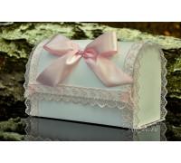 Свадебный сундучок с кружевом нежно-розового цвета