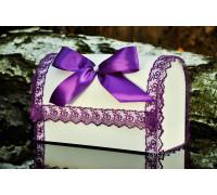 Свадебный сундучок с кружевом фиолетового цвета