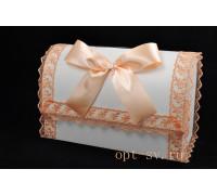 Свадебный сундучок с кружевом персикового цвета